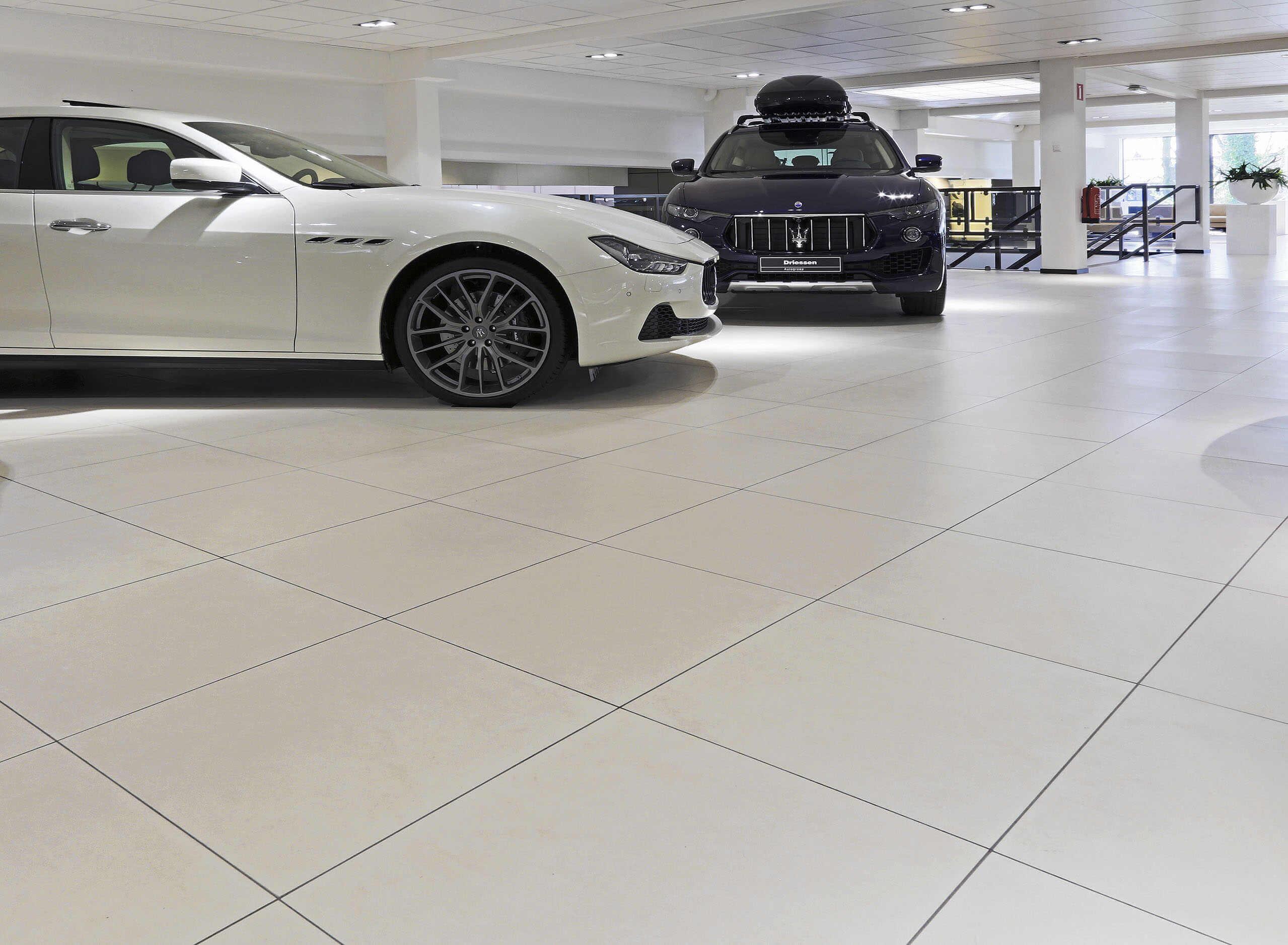 Maserati01 | Concesionario, Holanda